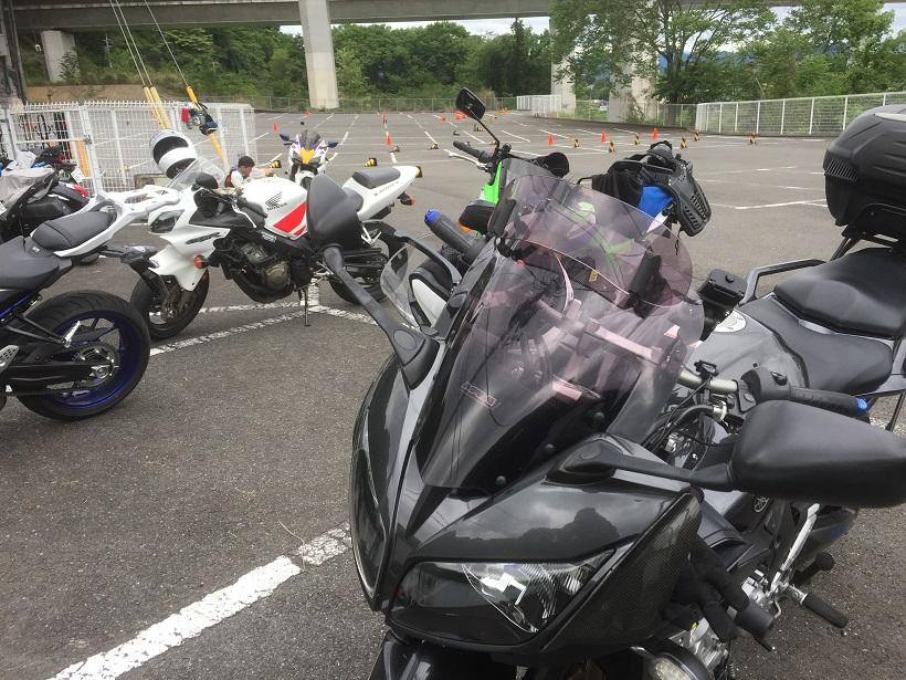 バイクのライディングスクール