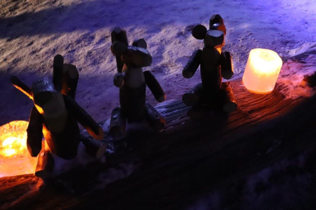 幻想的な灯りに灯されたオブジェ