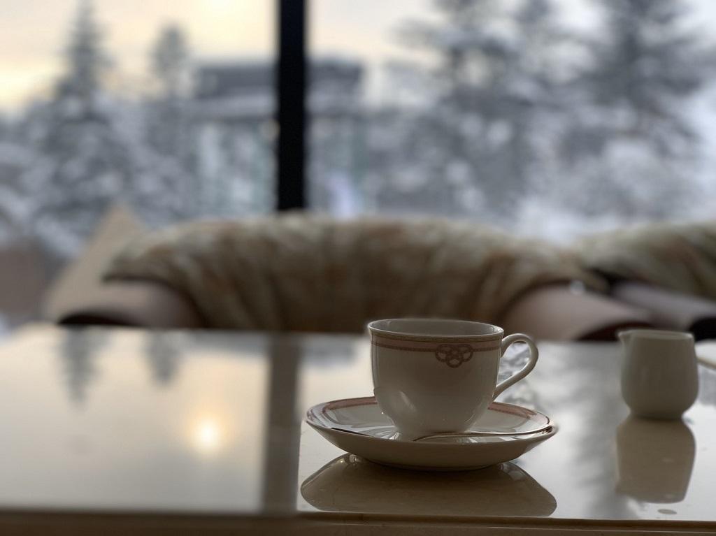 ラウンジでのコーヒー